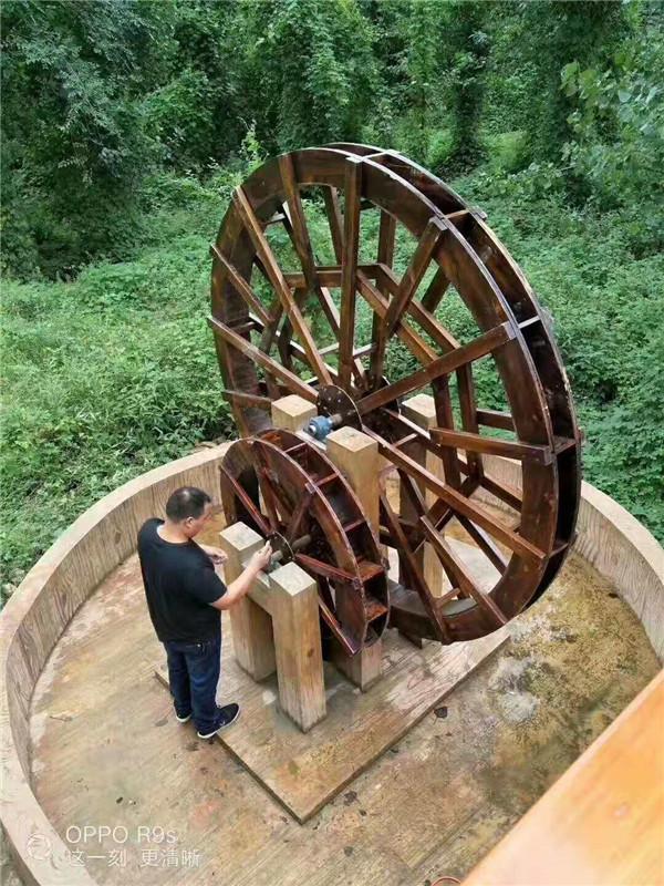防腐木木制水车